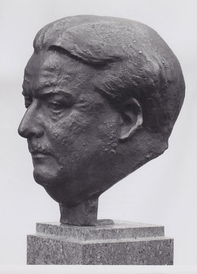 Bildnis Boris Rajewsky • Bronze • lebensgroß • 1953