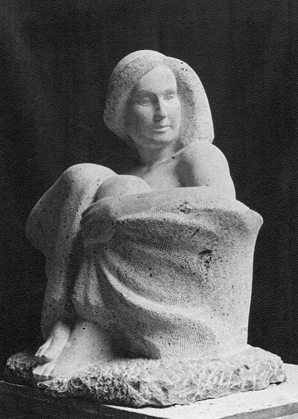 Hockende Gewandfigur • 100 cm • Kalkstein • 1936