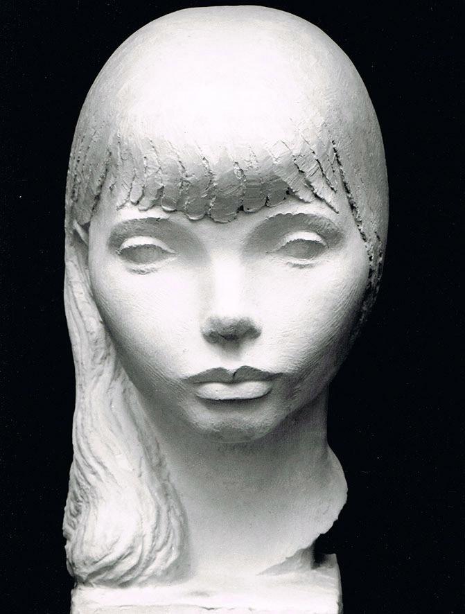 Bildnis eines jungen Mädchens • Gips • lebensgroß • 1972