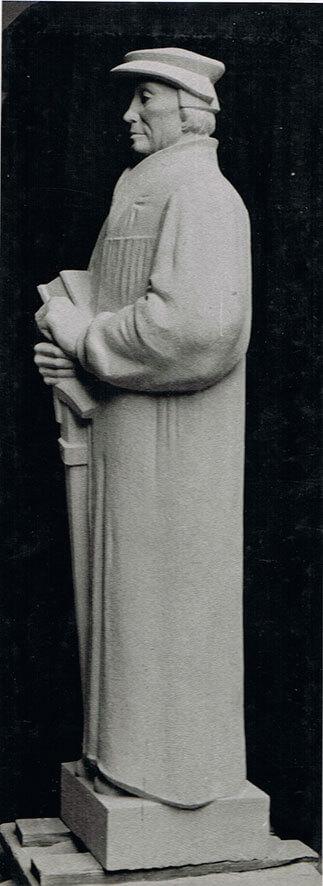 Zwingli • weißer Mainsandstein • 230cm • 1936
