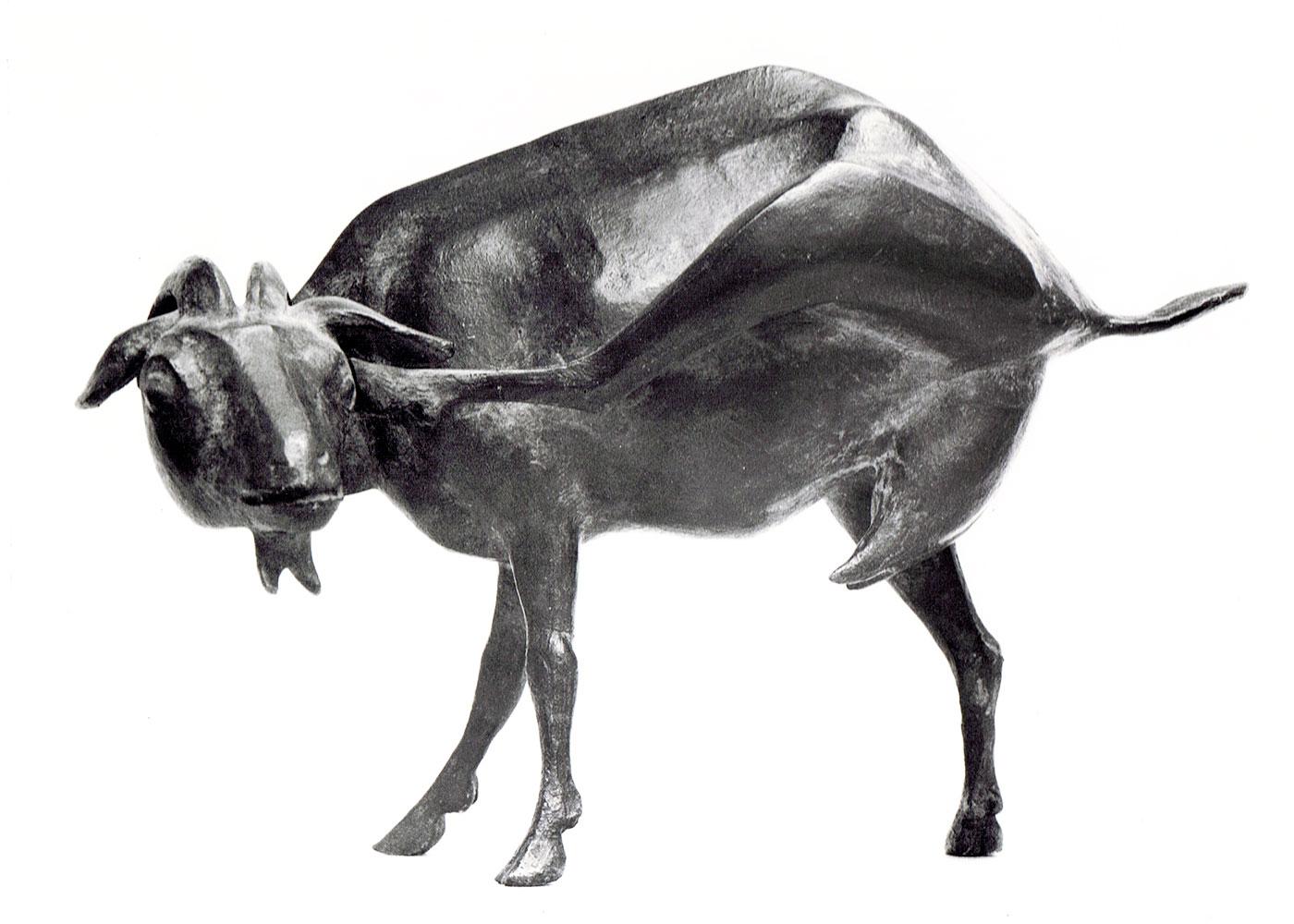 Sich kratzende Ziege • Bronze • 17,5cm • 1954