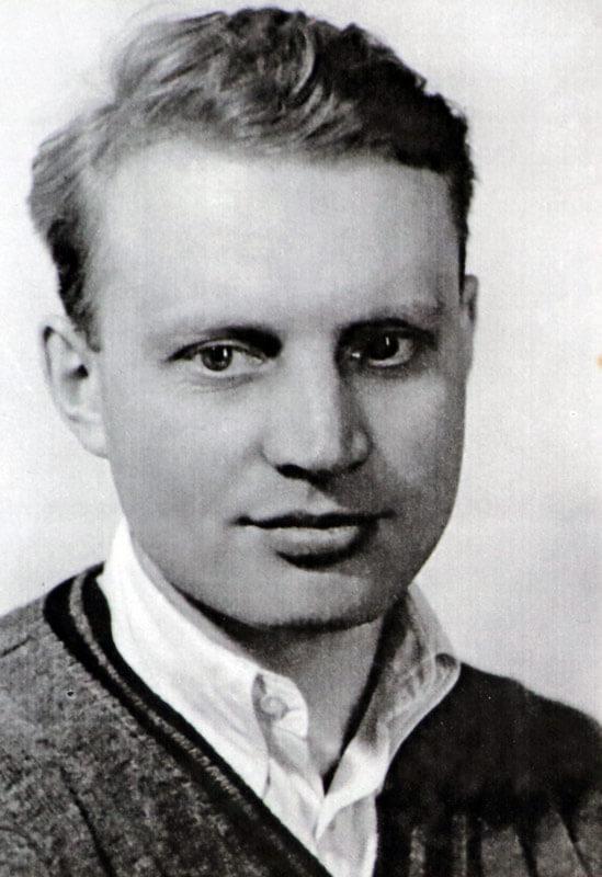 Wilhelm Rietschel • gefallen 1941• Scheibe Schüler • Nachkomme des klassizistischen Bildhauers Ernst Rietschel • Freund und Atelier Kollege R.A. Agricolas