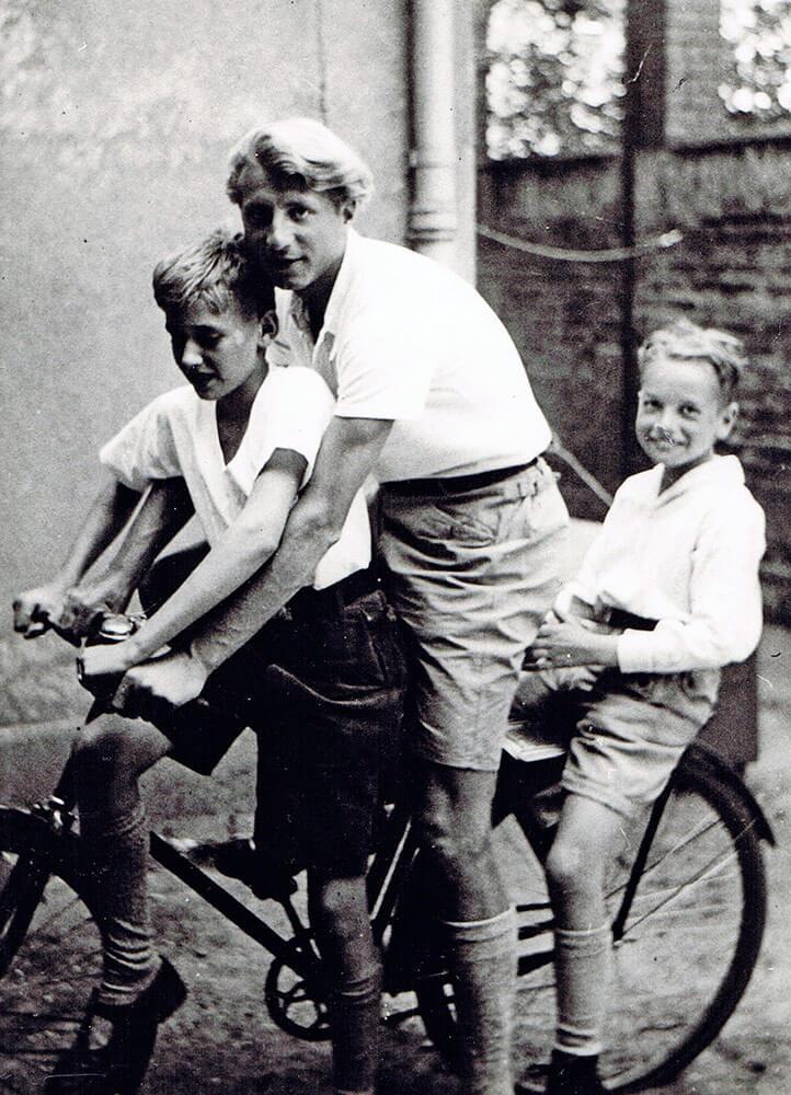 Hauslehrer für für Die Brüder Horand und Hagen von Heyder • Frankfurt • ca.1934