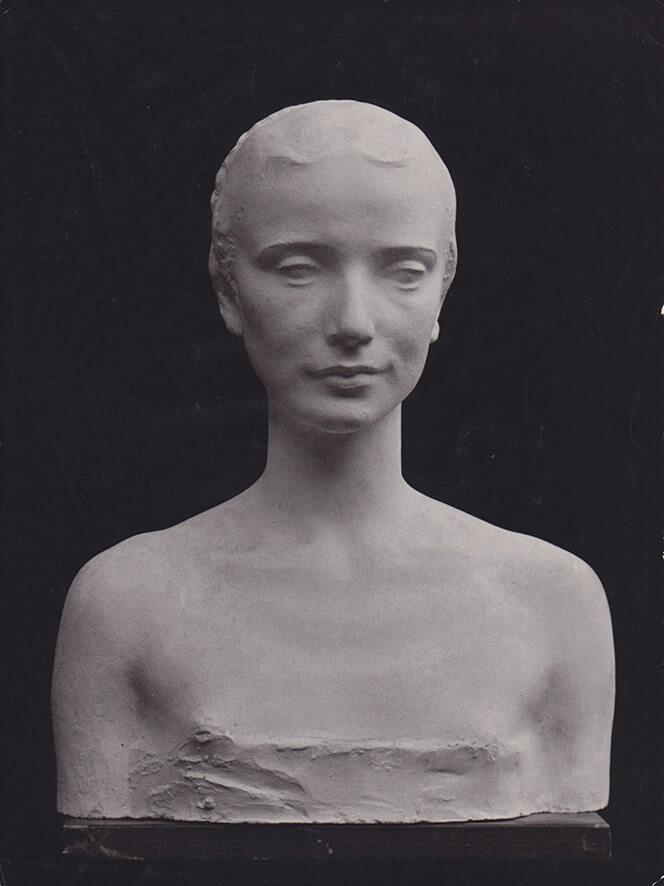 Mädchenbüste  • Gips • lebensgroß • 1947
